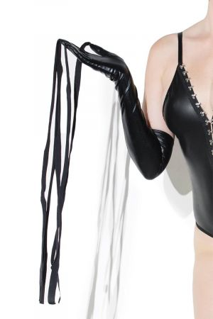 GLOVES WITH WHIPS